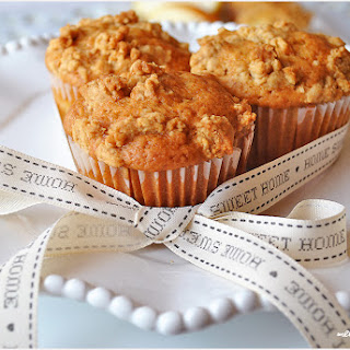 Pear Muffins With Honey Crumble –