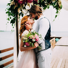 Wedding photographer Diana Bondars (dianats). Photo of 13.04.2018