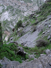 Photo: Abshir, small waterfall, descent to canyon