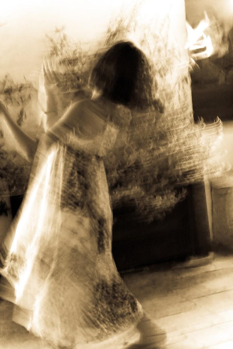 Dancing Ghost di fasele72