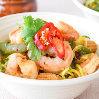 10 Minute Honey & Chilli Prawn Zoodles