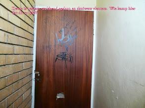 Photo: Jy moet maar die plek gebruik Jannie, Neels se al die deure lyk maar so.  Miskien hou die munisipale bestuurder van hierdie soort kuns.