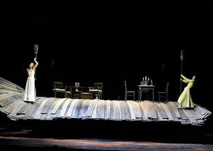 Photo: WIEN/ Burgtheater: WASSA SCHELESNOWA von Maxim Gorki. Premiere22.10.2015. Inszenierung: Andreas Kriegenburg. Aenna Schwarz, Andrea Wenzl, Copyright: Barbara Zeininger