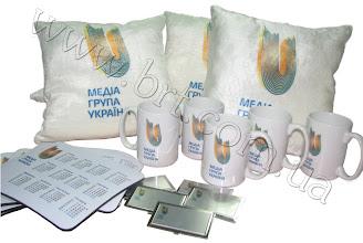 Photo: Фирменная сувенирка для Медиа Группа Украина: подушки, визитницы, компьютерные коврики, чашки