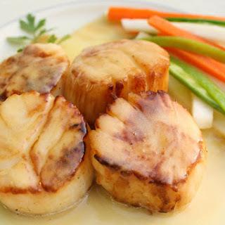 Seared Scallops with Saffron Beurre Blanc