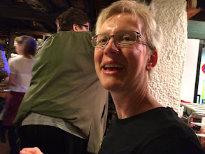 Photo: Marie på den nyfundne ølrestaurant, Restobieres