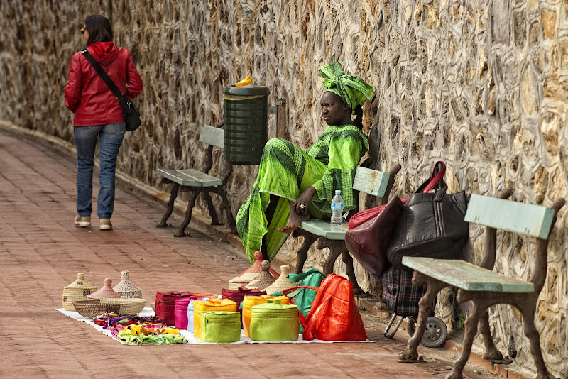 I colori dell'africa in passeggiata di Andrea Izzotti