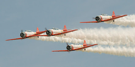 Photo: Aeroshell 4-plane precision formation aerobatic team flying the North American AT-6.