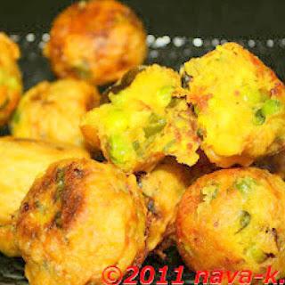 Bonda (fried Savoury Potato Balls).