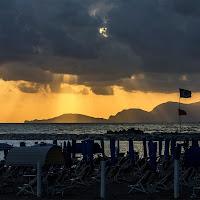 Summer On A Solitary Beach di