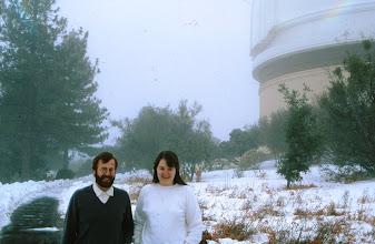 Photo: Tähtitieteestä kiinnostuneet turistit yksityisellä retkellä observatoriossa
