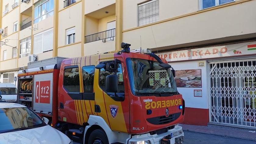 Vehículo de los Bomberos del Levante Almeriense desplazados hasta el lugar.