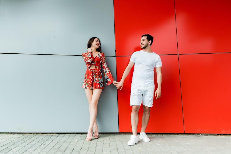 Bryllupsfotograf Anna Bukhtoyarova (Skorpyanka). Bilde av 06.03.2019