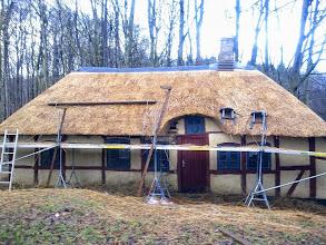 Photo: I januar 2012 bliver tækkemanden færdig med det nye tag