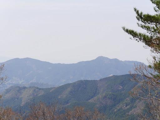 額井岳方面(右は香酔山)