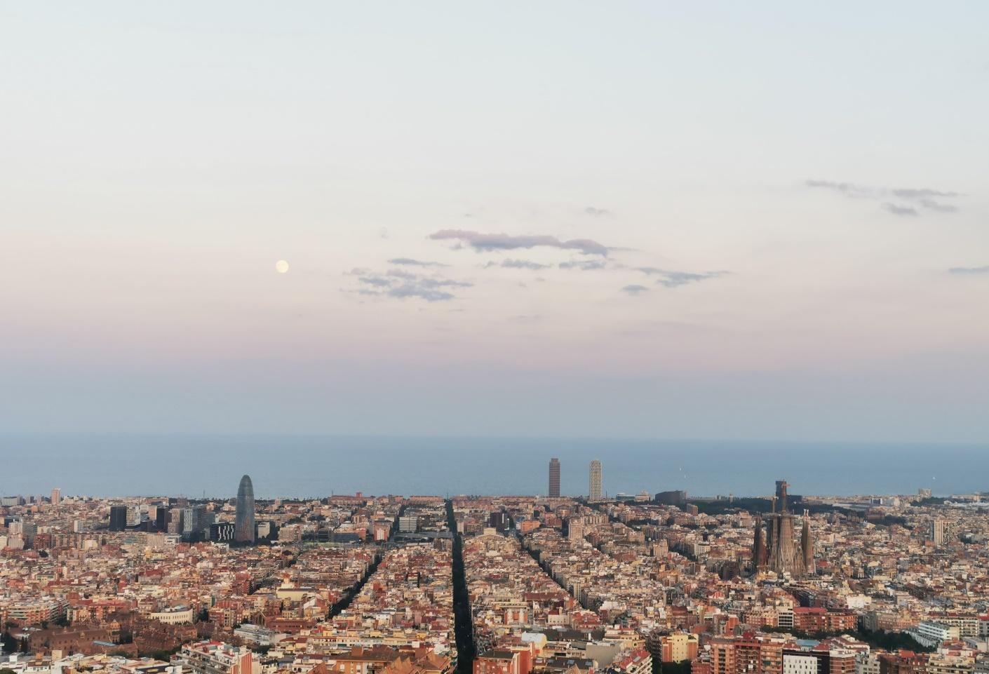 C:\Users\matus\Desktop\Barcelona FOTO\11 Bunkers del Carmel\IMG_20190715_211403uprav.jpg