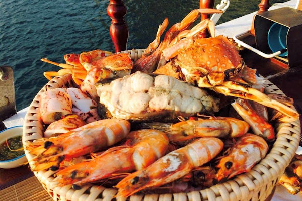 Enjoy fresh sea food with crab and shrimps