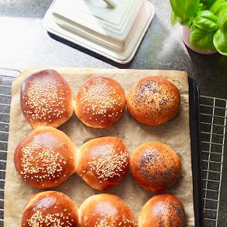 Easy Yoghurt Bread Rolls.