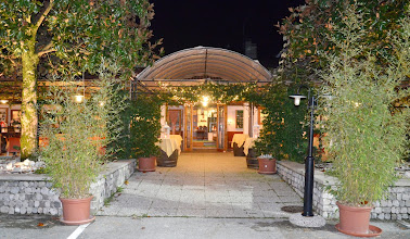 Photo: Ingresso in osteria by night