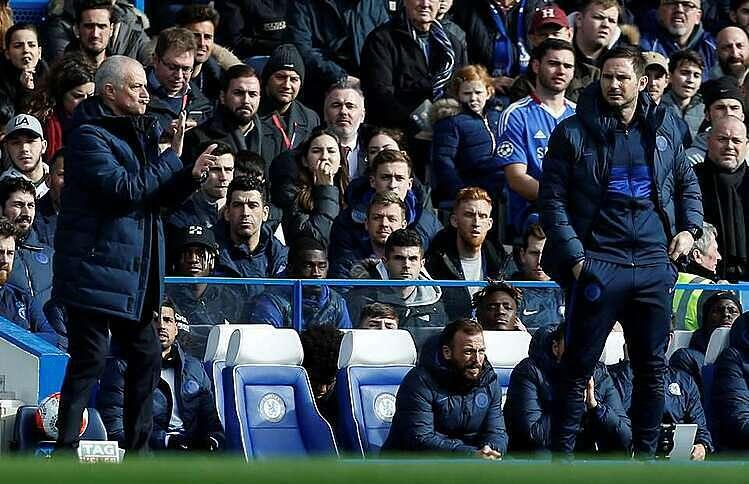 Mourinho không bắt tay Lampard