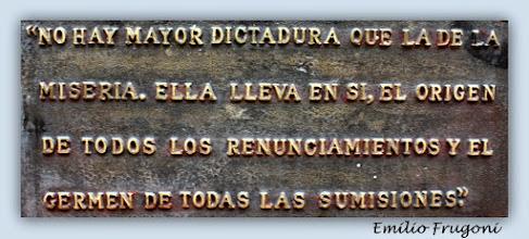 Photo: Marcas de la Memoria (7) Mártires estudiantiles. 14 de agosto Callejón Frugoni (Avda. 18 de Julio esq. Tristán Narvaja). Placa conmemorativa de Emilio Frugoni