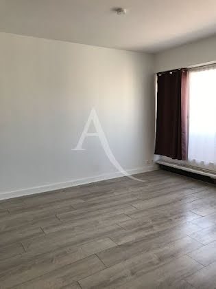 Location studio 24,8 m2