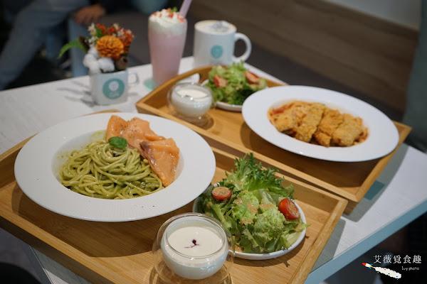 Chow Chow Café 巧巧咖啡 || 台中南屯文心森林公園咖啡廳,白色簡約風設計與提供包場服務,必點義式商業午餐/義大利麵/超值套餐讓你吃飽吃巧!花博特約商店
