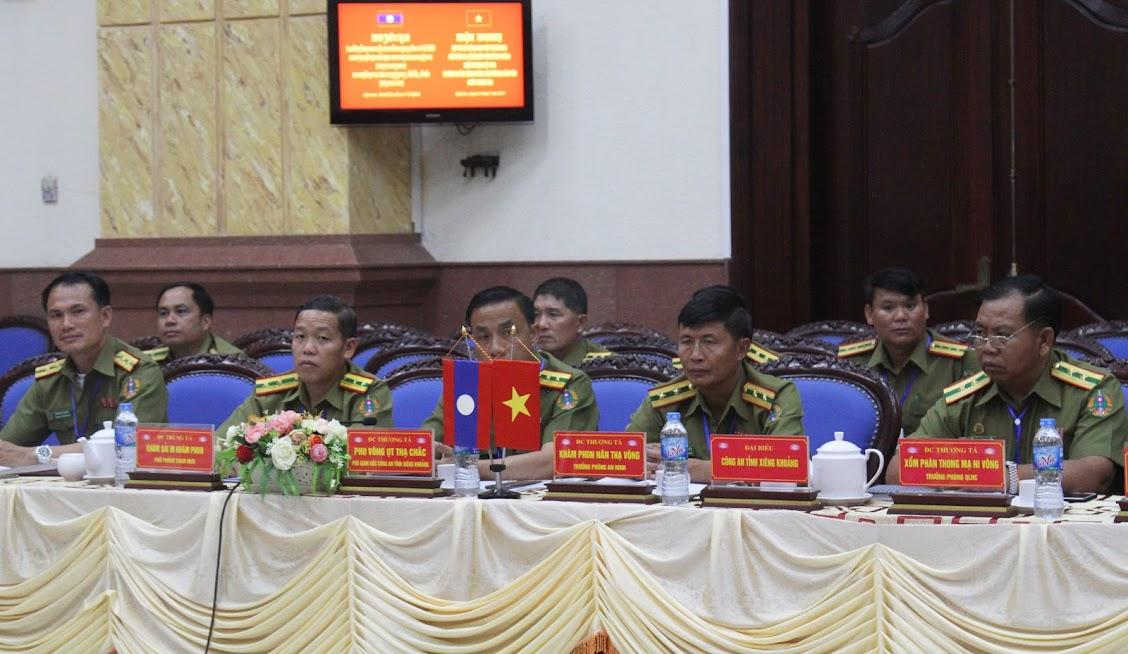 Đoàn đại biểu Công an tỉnh Xiêng Khoảng