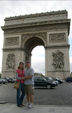 Photo: Teresa and Curt at the Arc de Triomphe