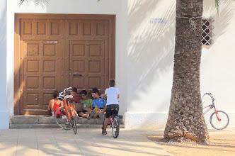 Photo: Lunchtime laptop session in Poblenou del Delta