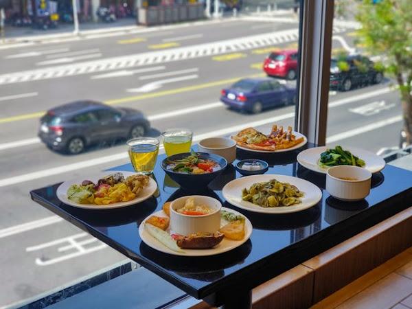Double Veggie蔬食百匯-創新蔬食料理,肉食者也能成功征服味蕾 ||新興區、蔬食吃到飽