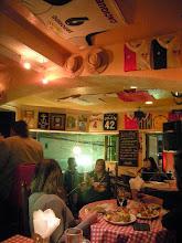 Photo: 神戸のチリ料理レストラン「Gran Micaela y Dago(グラン・ミカエラ・イ・ダゴ)」にて。アルゼンチンのコスキン音楽祭で出会った太田孝子さんがサポートする、グラシエラ・スサーナさんのLIVE♪日本の歌とアルゼンチンの歌。ものすごい哀愁に、時折こみあげてくるものを我慢するのがやっと。涙されてる往年のファンらしきおじ様の姿も。