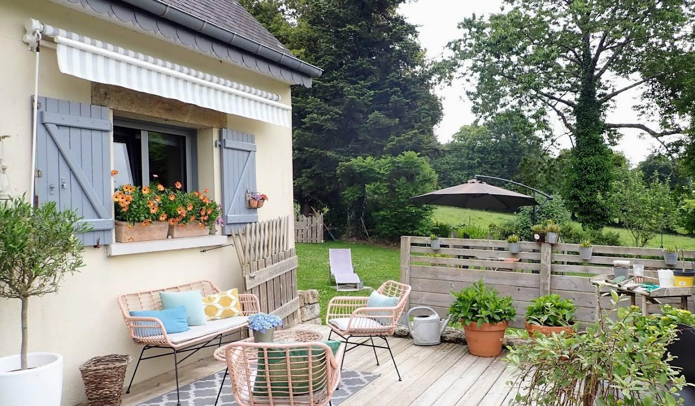 Maison avec jardin et terrasse Saint-Gelven
