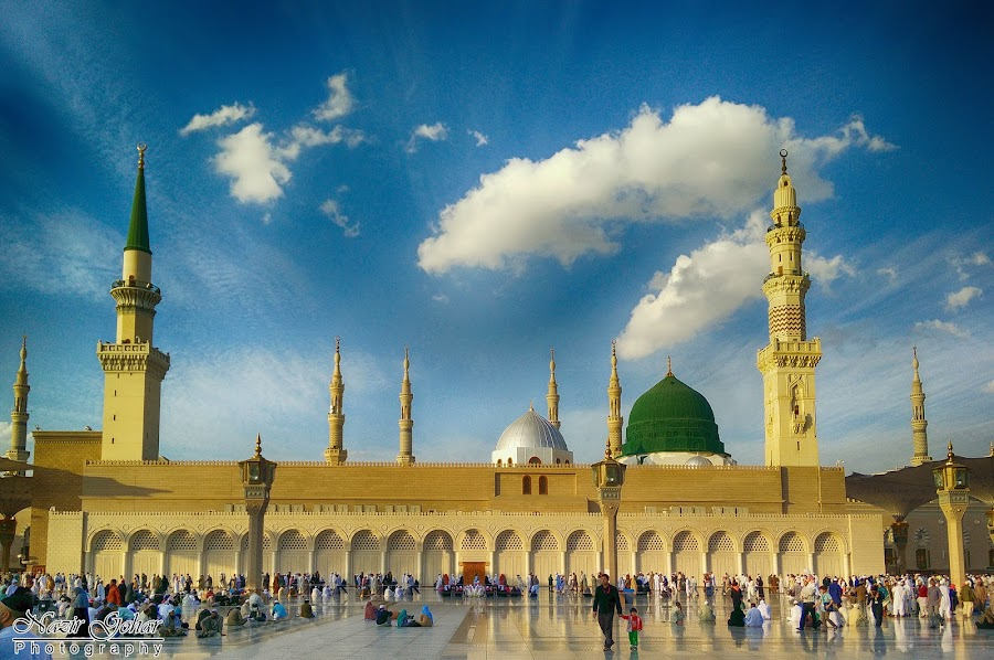 Al-Masjid an-Nabawi - المسجد النبوي  Prophet's Mo by Nazir Gohar - Buildings & Architecture Places of Worship ( muslim, classical architecture, prophet's mosque, beautiful, muhammad, al-masjid an-nabawi, green dome, holy, nikon d90, photography, sky, islamic architecture, blue, medina, day, saudi arabia )