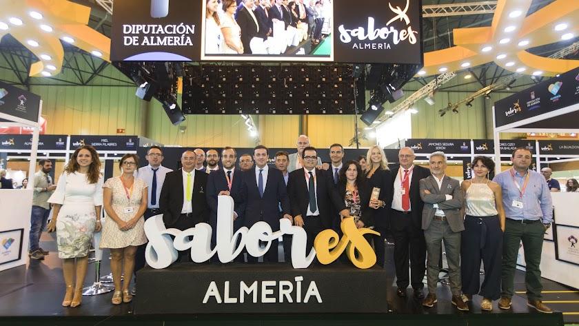 Visita del presidente de la diputación al stand de \'Sabores Almería\'.
