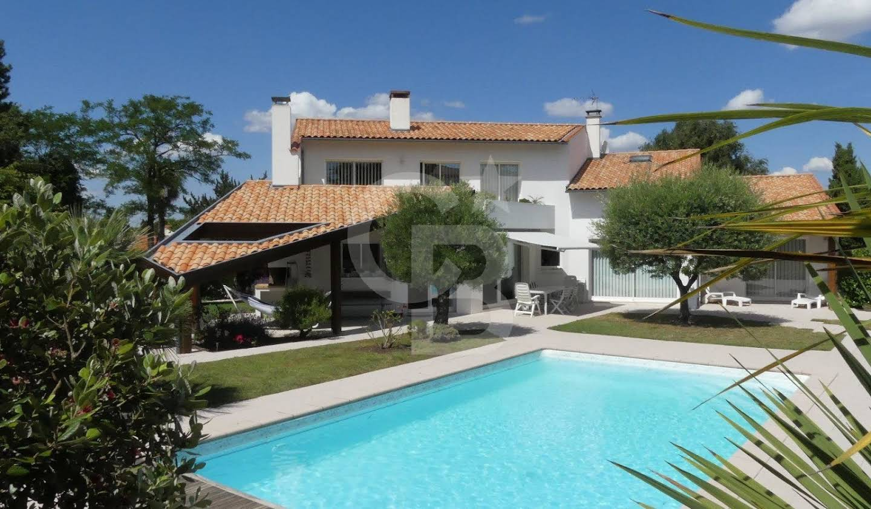 Maison avec piscine et jardin Saint-Georges-de-Didonne