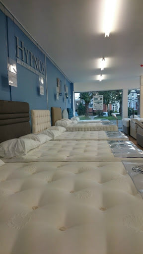7 Great Reasons to Visit our Showroom for Hypnos Beds