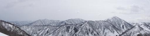 右から三周ヶ岳・高丸・烏帽子山など