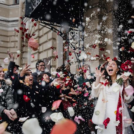 Wedding photographer Liza Karazhova (LizaKa). Photo of 01.01.2017