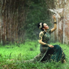 Angels and Pigeons by Ikhsan Effendi - People Portraits of Women