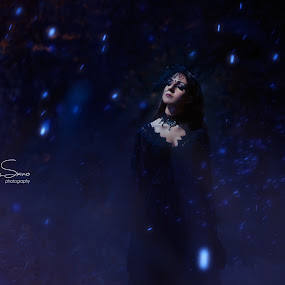 Into darkness by Livio Siano - People Portraits of Women ( lights, gothic, lights in the dark, dark, beautyful, trees, forest, beauty )