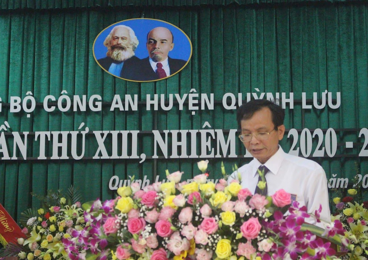 Đồng chí Hoàng Danh Lai, Bí thư Huyện ủy, Chủ tịch HĐND huyện Quỳnh Lưu phát biểu tại Đại hội