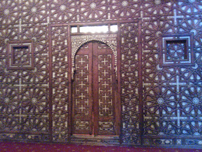 Photo: ingreso a la cripta (llegué tarde y estaba cerrado)