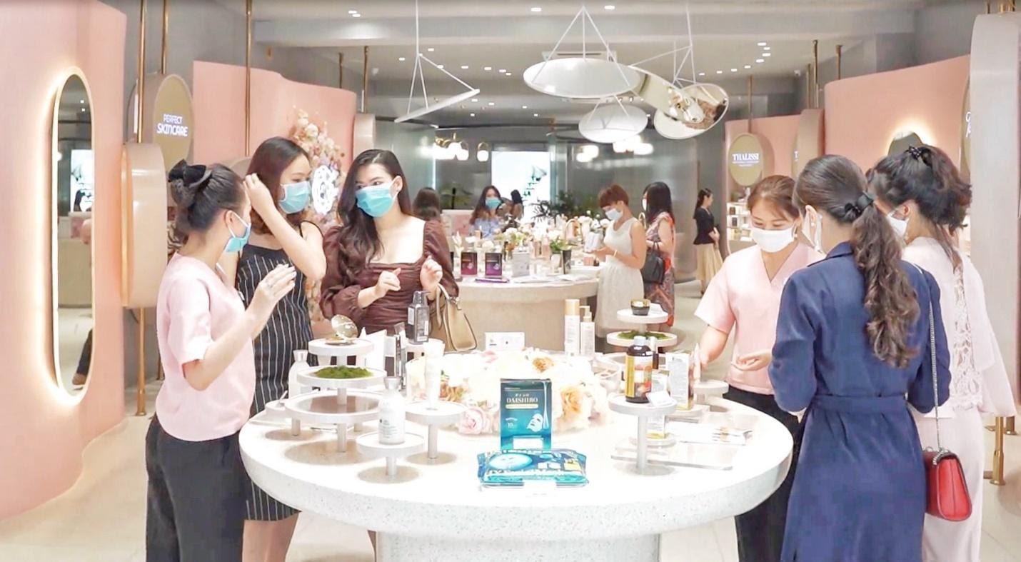 Khách hàng đã quay trở lại mua sắm và sử dụng dịch vụ tại Chuỗi Trung Tâm Chăm Sóc Da và Sức Khoẻ H&H