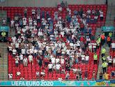 Engelse fan zwaargewond afgevoerd na val tribune Wembley
