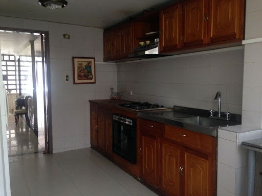 Casas en Arriendo/venta - Bogota, Cedritos 642-4330