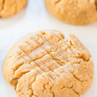 Easy 4-Ingredient Perfect Peanut Butter Cookies.