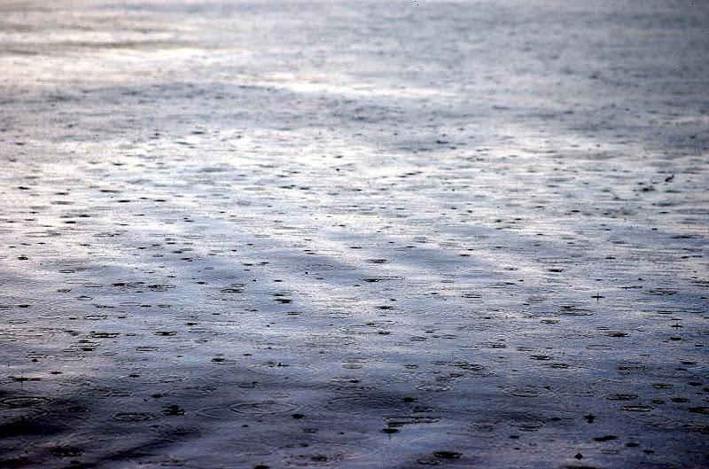 Pioggia sul lago di Toninola