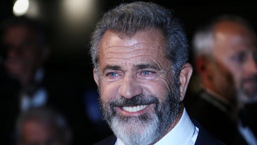 Did Mel Gibson Salute Donald Trump At UFC Event?