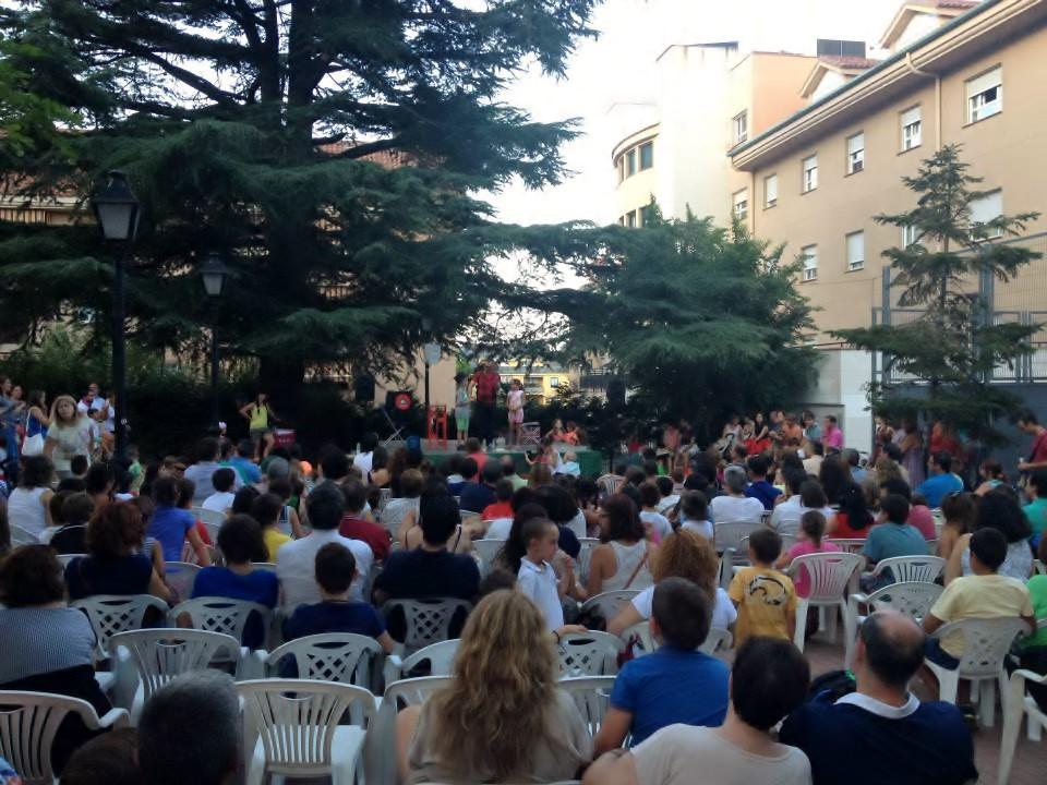 público magia escenario Fiestas El Escorial 2015